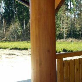 Drewniana kolumna